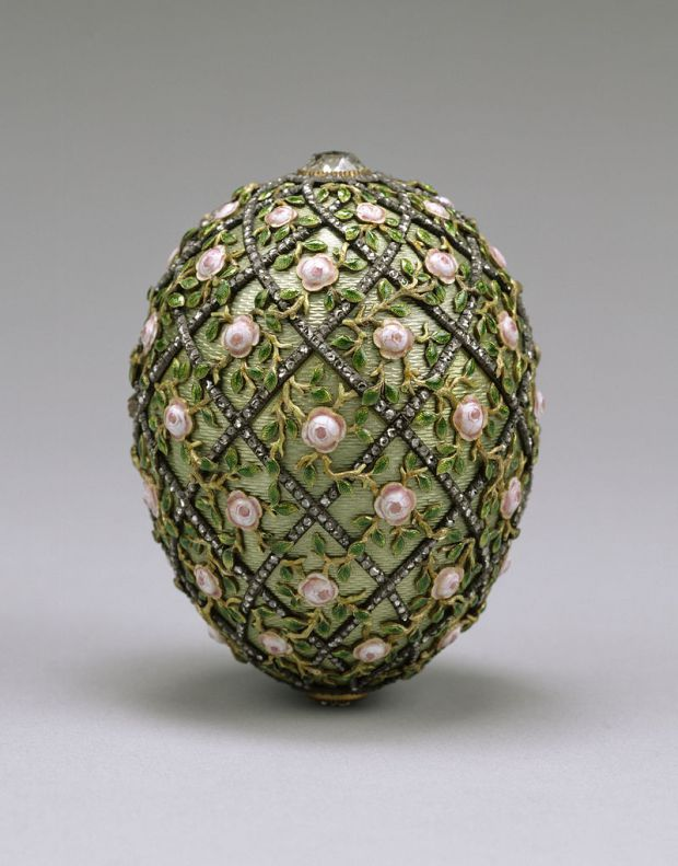 800px-house_of_fabergc3a9_-_rose_trellis_egg_-_walters_44501